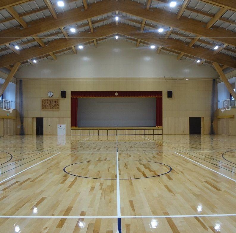八代市立第六中学校体育館内部