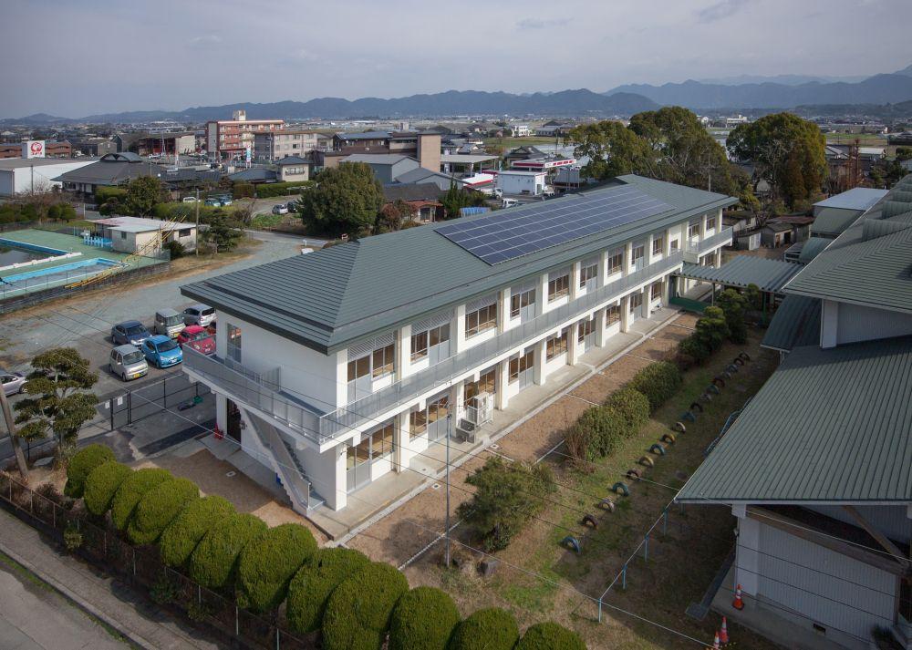 竜北西部小学校校舎外観