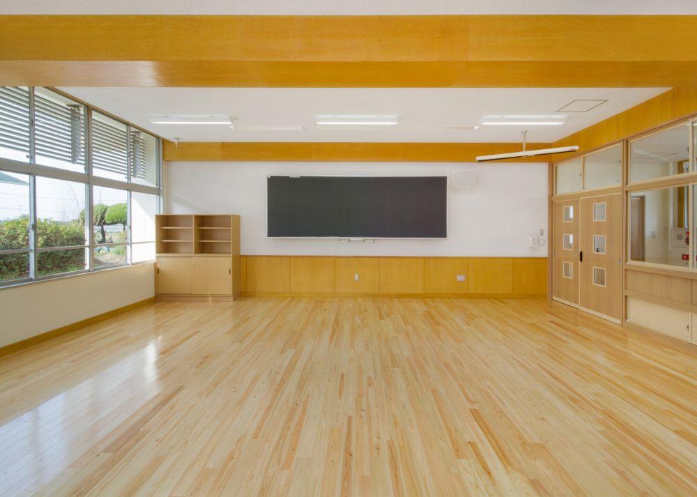 竜北西部小学校教室